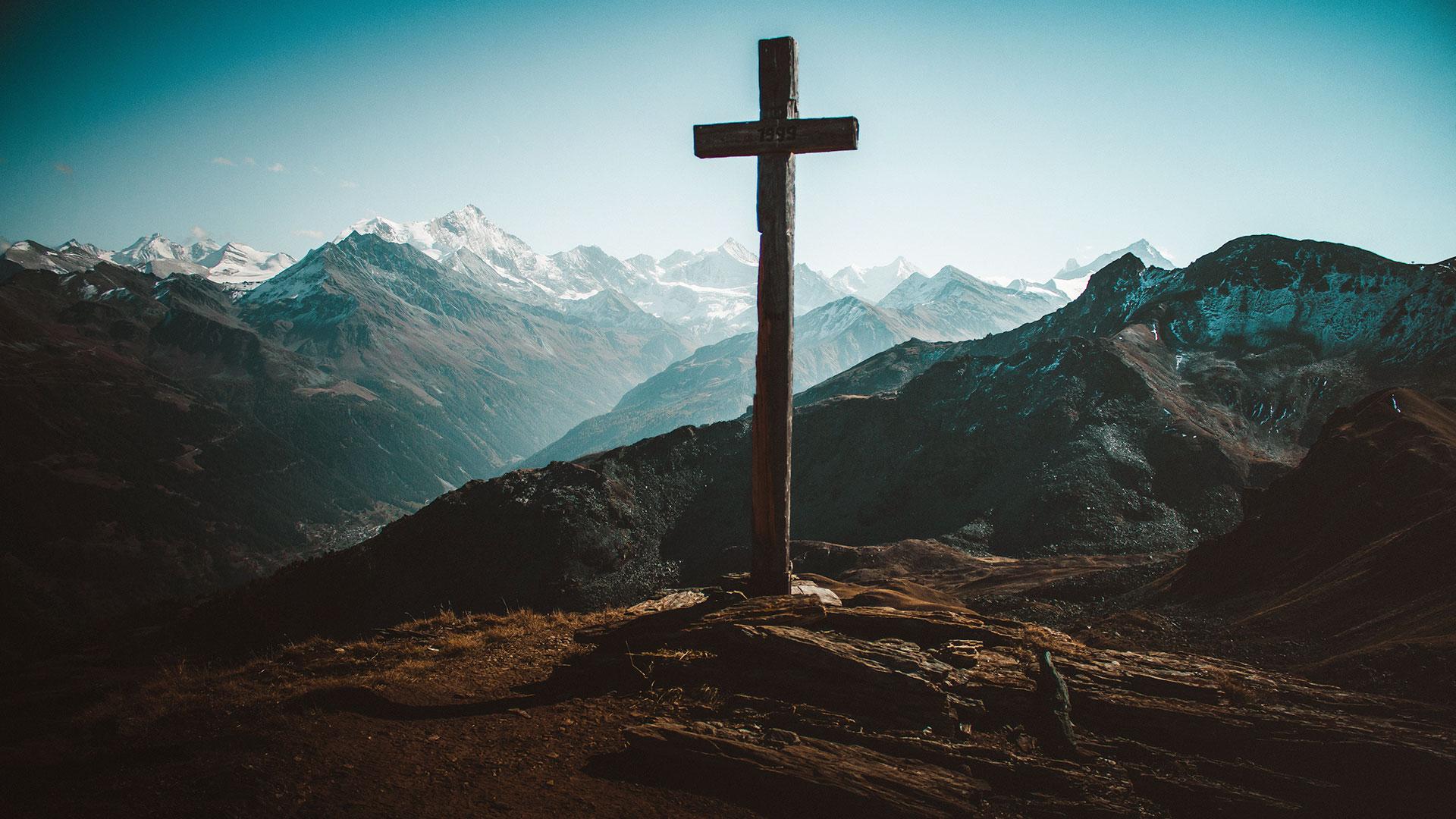 did the resurrection happen easter cross